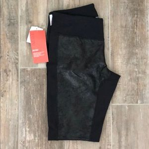 Woman's Zella athletic leggings
